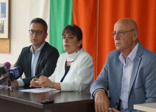Народните представители от БСП подготвят инициатива за гарантирано дистанционно обучение